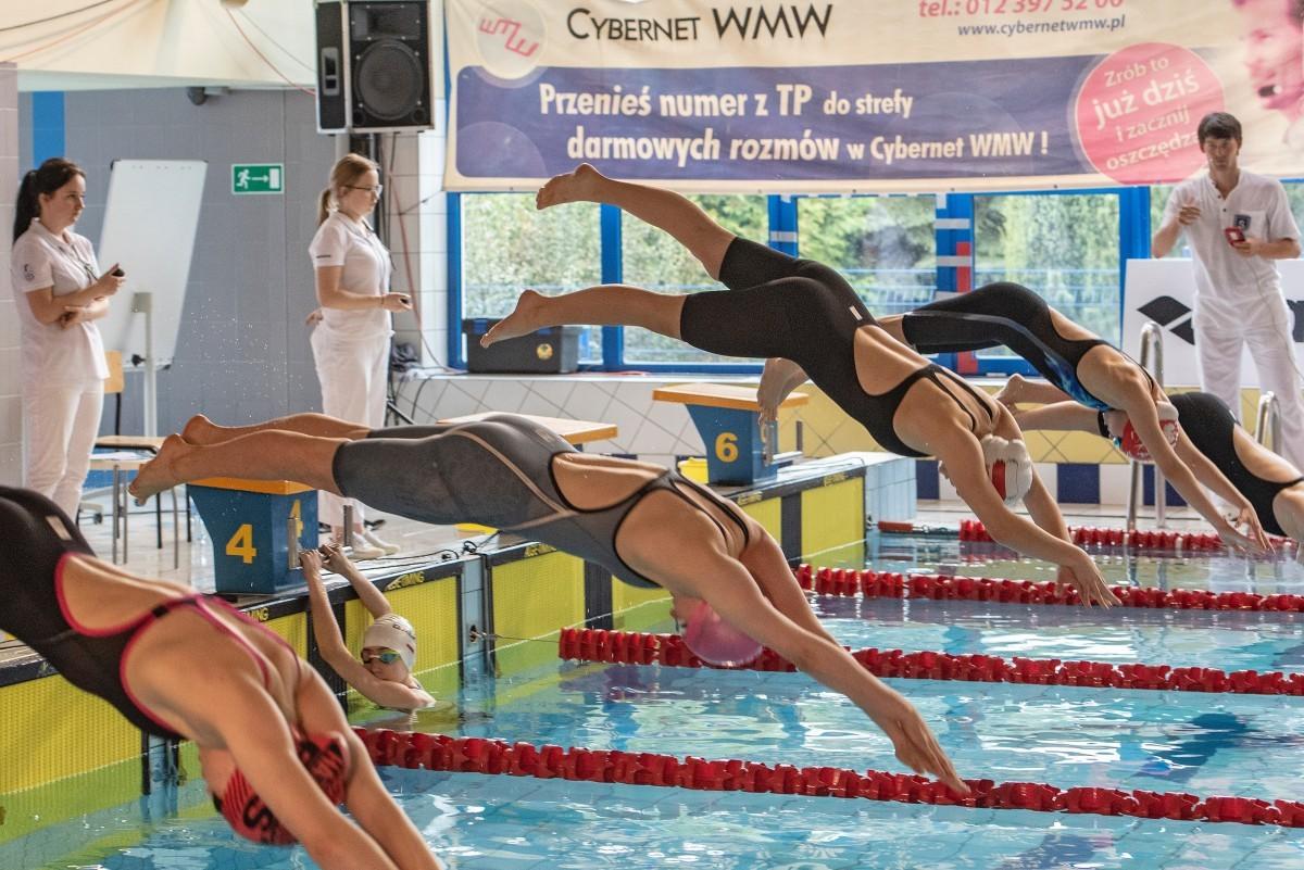 Ośrodek Sportowo Rekreacyjny w Zabierzowie XIV Ogólnopolskie Zawody Pływackie o Puchar Rycerza Kmity